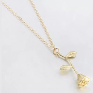 Jewelry - NWT • gold rose necklace